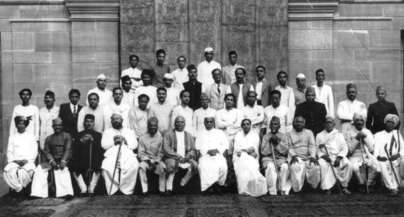 Indian_musicians_at_the_first_music_conference_after_India's_independence